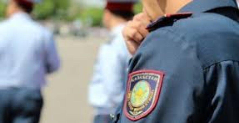 В Алматы уволили полицейского, поднявшего руку на подчиненного