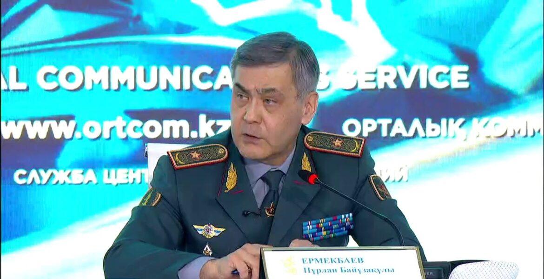 Глава оборонного ведомства ответил на вопросы журналистов о происхождении тротила на военном складе, возможной отставке и причинах взрывов в Жамбылской области