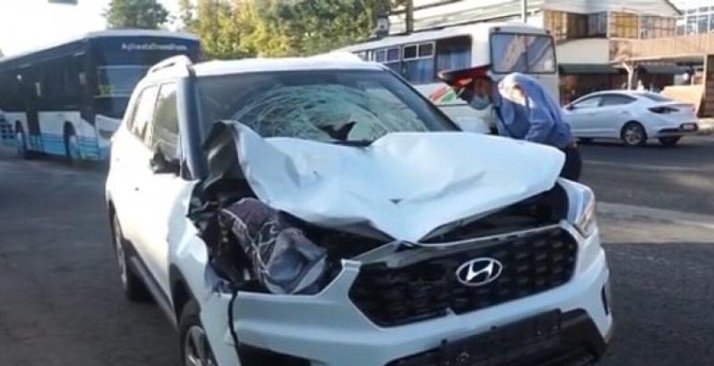 Автомобиль насмерть сбил людей на остановке в Таразе